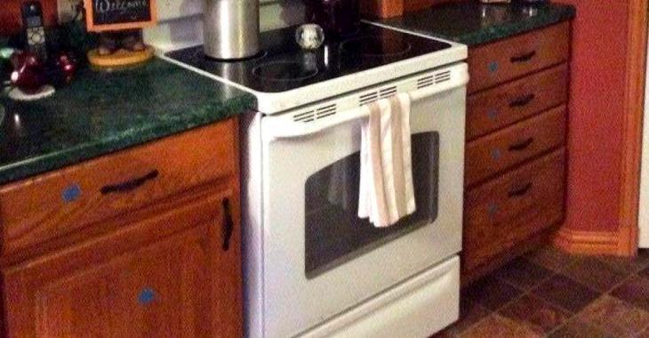 Sa vieille cuisine n'a pas été rénovée depuis 25 ans, puis avec seulement 200$ elle arrive à faire un miracle.