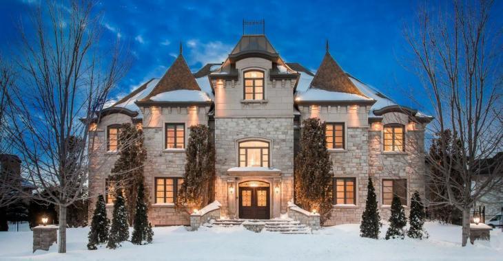 Un magnifique château situé à Brossard en vente pour 3,8 millions de dollars