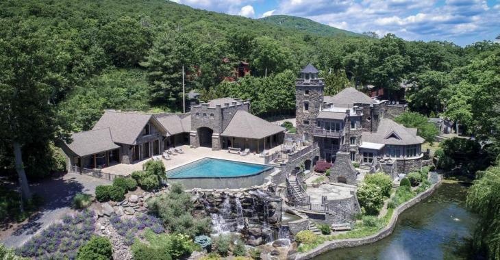Un grand sportif vend son maison qui est un palace pour 15 millions de dollars!