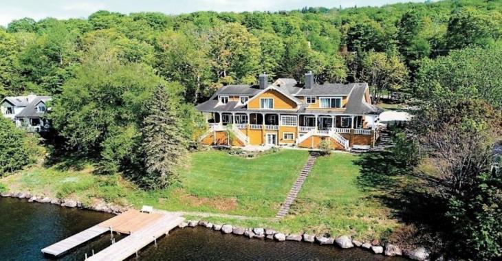 Un joueur de hockey achète une maison de 2 millions $ à Lac-Beauport pour la détruire