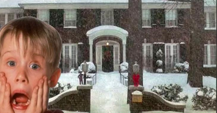 """L'intérieur de la maison du film """"Maman j'ai raté l'avion"""" ne ressemble plus au film est c'est triste."""
