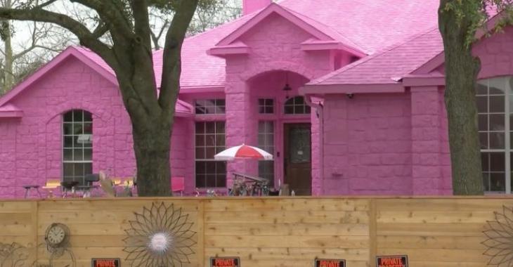 Un homme ne comprend pas pourquoi ses voisins détestent sa maison rose Pepto Bismol.
