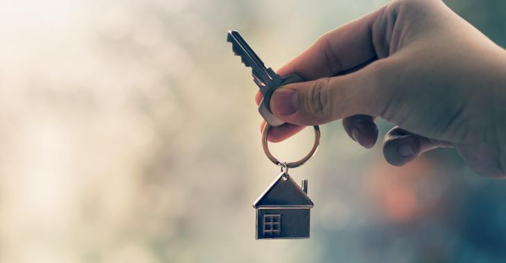 La COVID-19 complique la vie de ceux et celles qui souhaitent vendre ou acheter une propriété.
